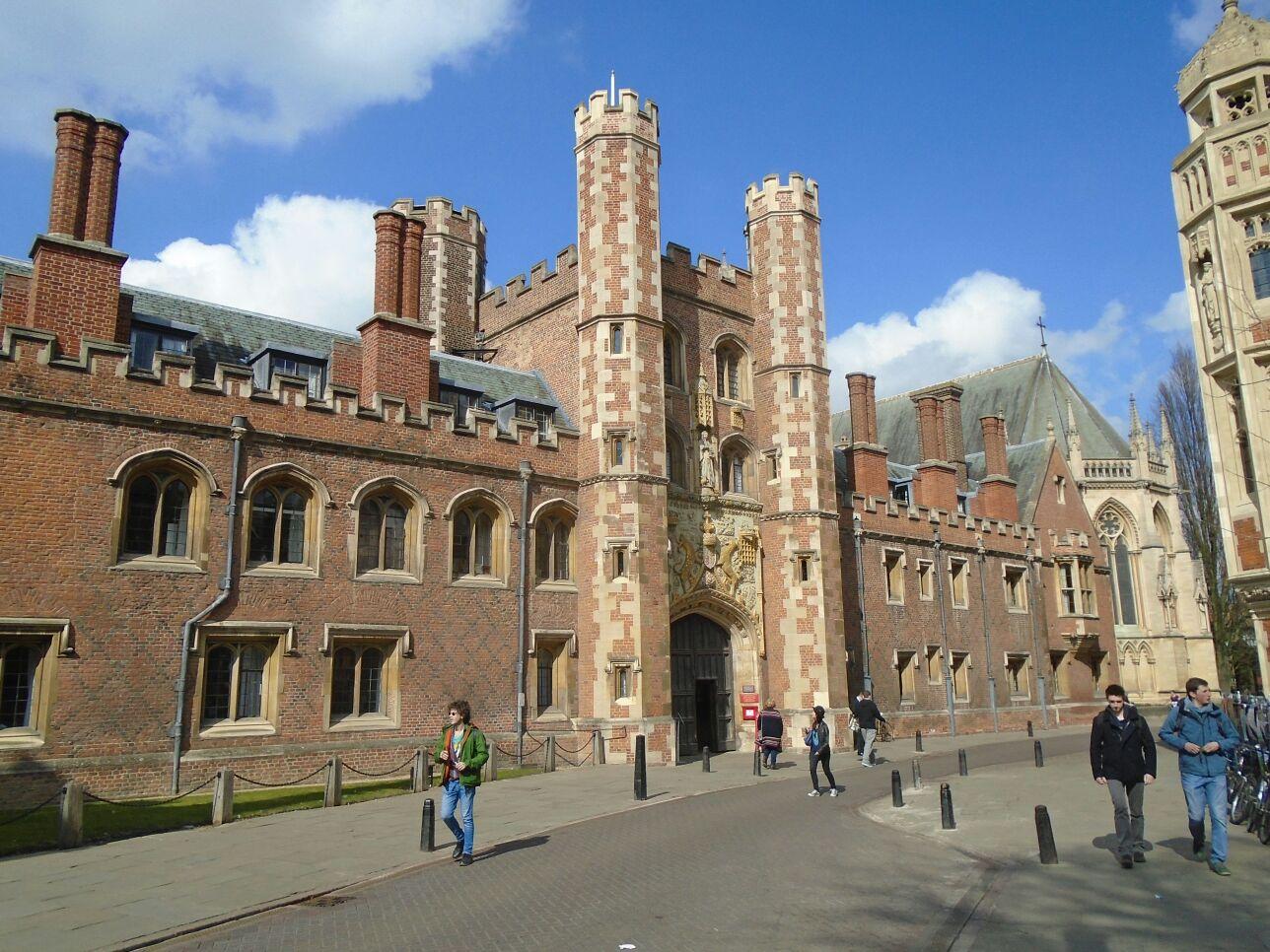colleges in cambridge