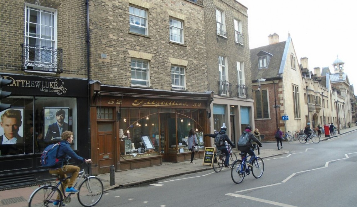cafes in cambridge, places to eat in cambridge